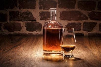 ZC of Hamilton Presents Valentines & Whisky on Feb. 15